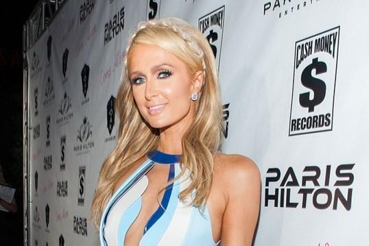 Paris Hilton quer estar solteira