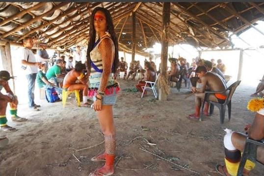 Rita Pereira em versão amazona