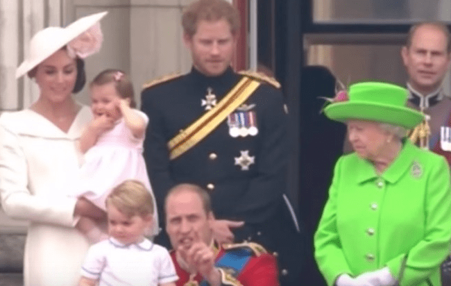Esta coroa britânica mostra seus dotes