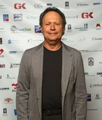 Billy Crystal incomodado com sexo gay na TV