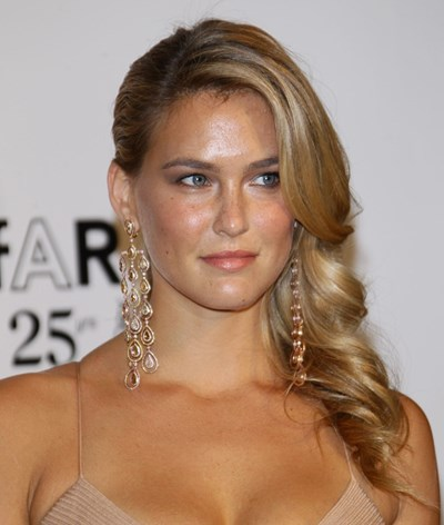 Supermodelo Bar Refaeli declara-se a príncipe William