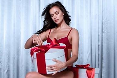 629edf803 A coleção de lingerie para o Natal é apresentada por ...