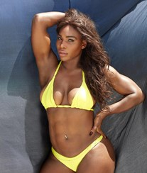 Serena Williams despe-se para a Sports Illustrated