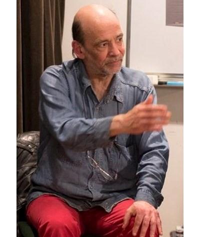"""Ator José Lopes morre aos 61 anos """"sozinho numa tenda"""""""