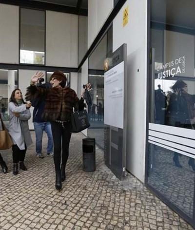 """Castelo Branco na chegada ao tribunal: """"Conheci polícias maravilhosos"""""""