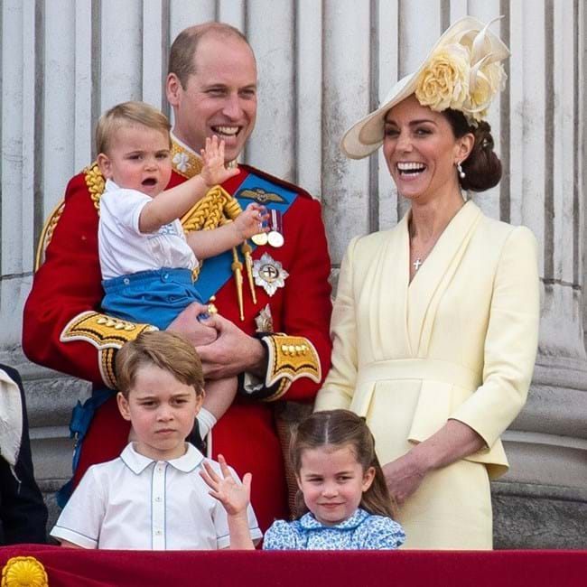 Príncipe William e Kate Middleton com os filhos: George, Carlota e Louis